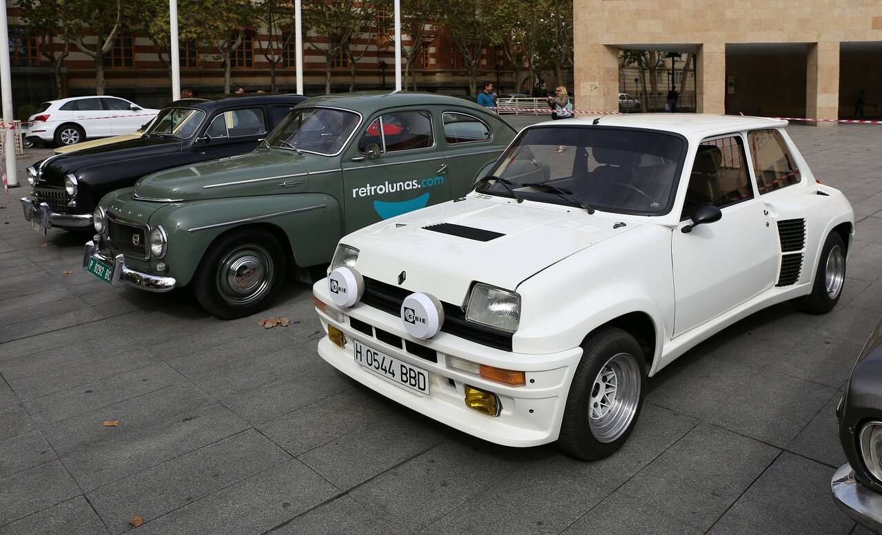 Парад ретроавтомобилей в Логроньо.  Renault 5 turbo