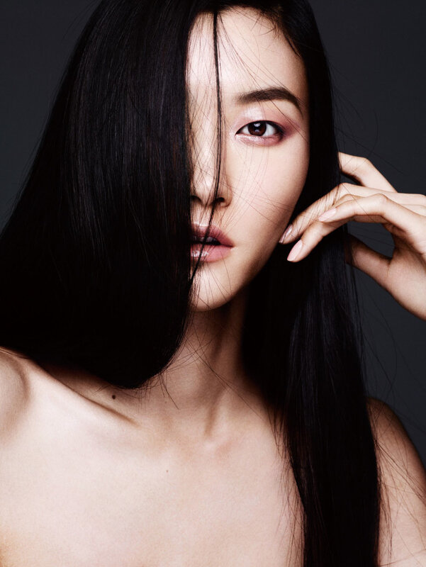ji-hye-park-kouka-webb-tian-yi-karmay-lu-ping-sora-choi-by-ben-hassett-for-vogue-china-may-2015-2.jpg