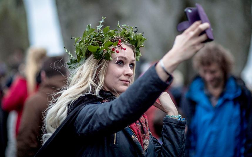 Торжества по случаю зимнего солнцестояния в Стоунхендже
