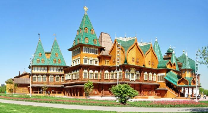 Деревянный царский дворец