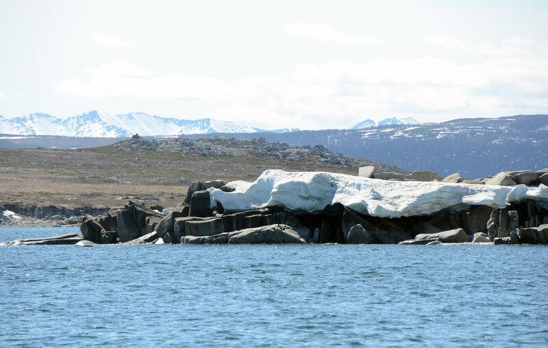 камни подо льдом.jpg