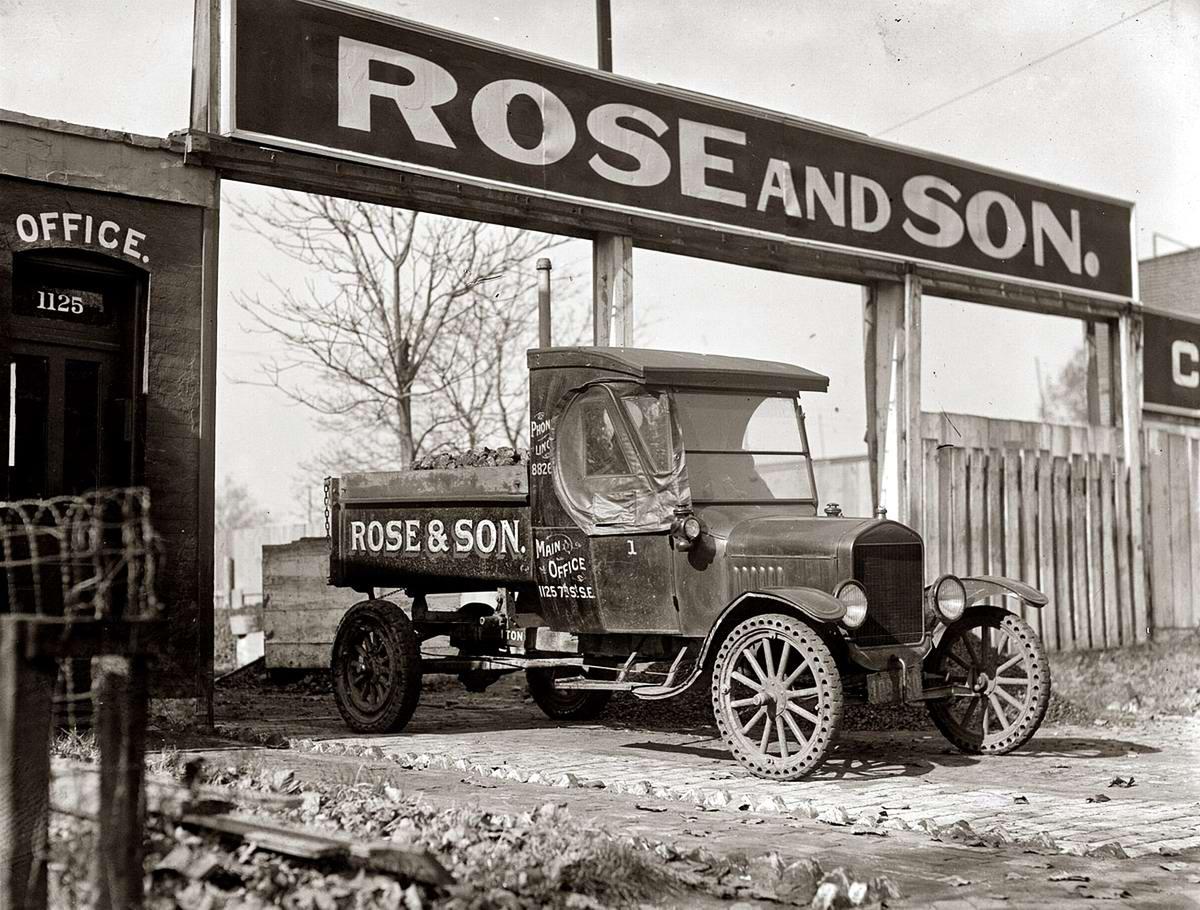 Специализированные транспортные средства начала 20-го века на снимках американских фотографов (55)