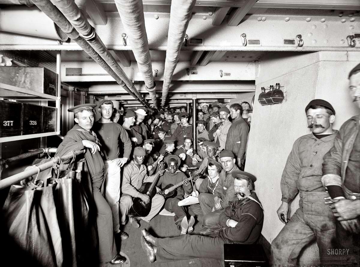 Корабли, речные суда и военные моряки на снимках американских фотографов конца 19 века (28)