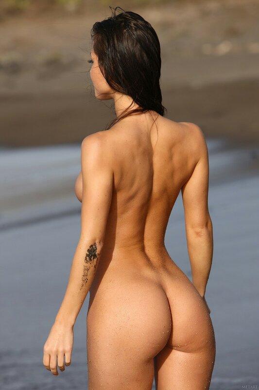 картинки голых девушек со спины