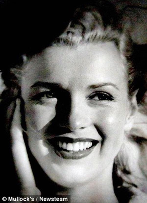 Коллекция редких фотографий Мэрилин Монро выставлена на аукцион 0 11b032 b79bb329 orig