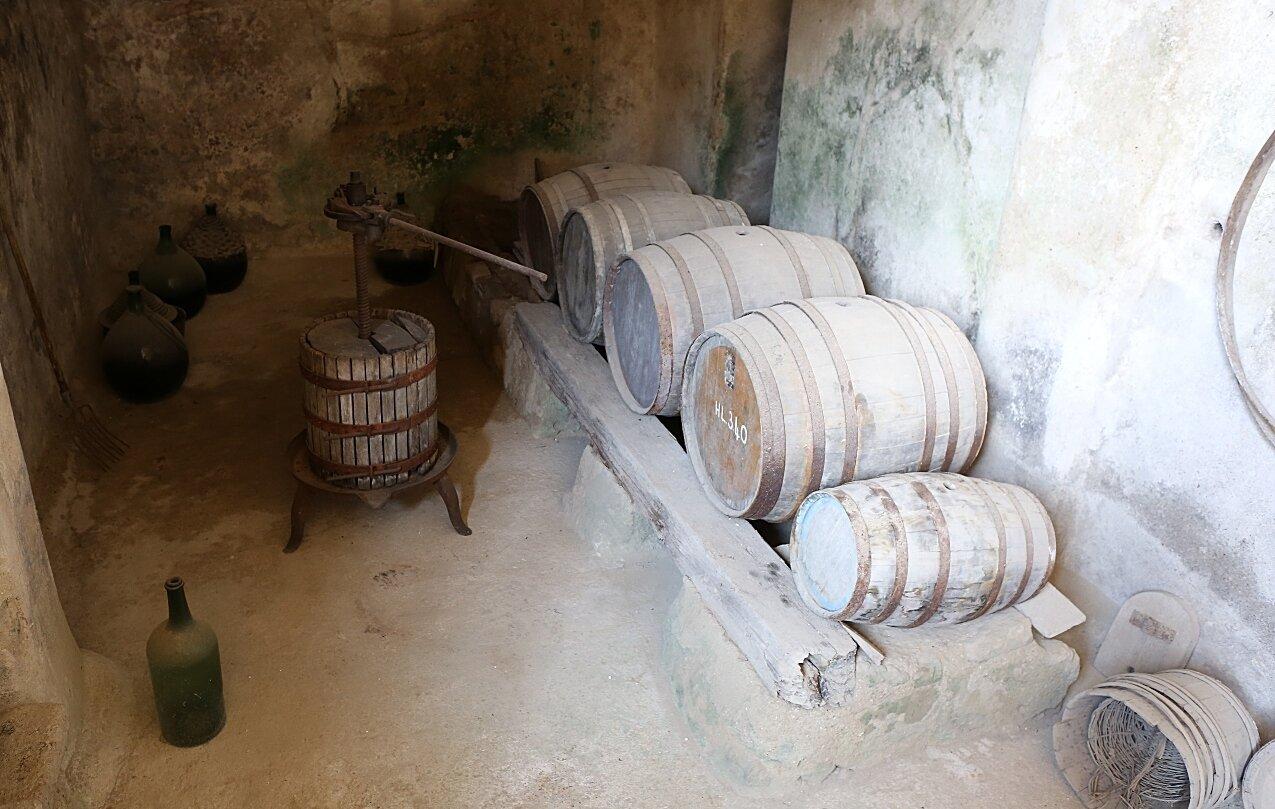 Ischia. Aragonese castle. Wine factory (Palmenti a Cellaio)