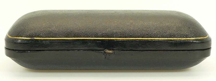 GBD Xtra Straight Grain billiard & hexagonal billiard case pair (pre-WWII)