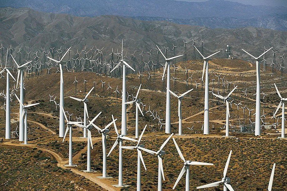 43. Ветряки возле Палм-Спрингс в Калифорнии.