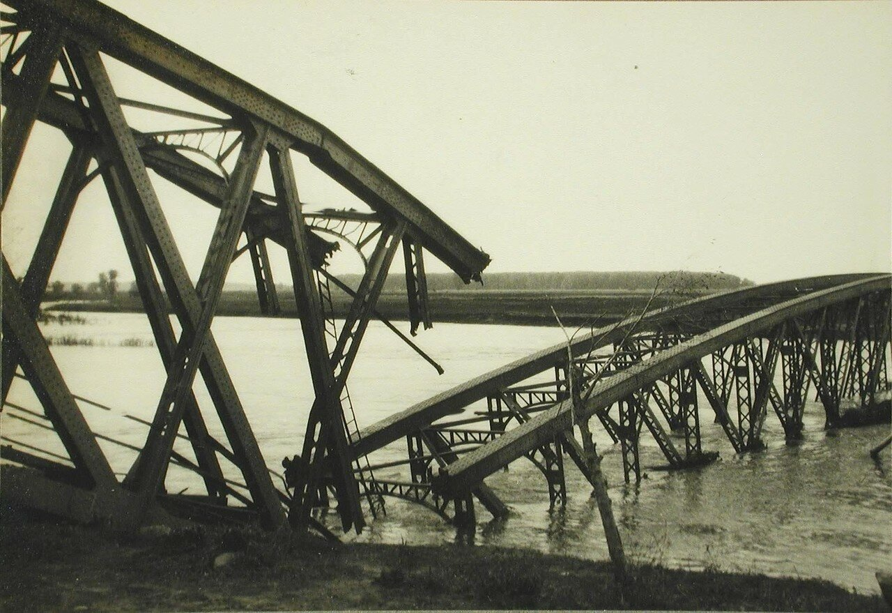05. Мост через Днестр,разрушенный австрийцами при отступлении