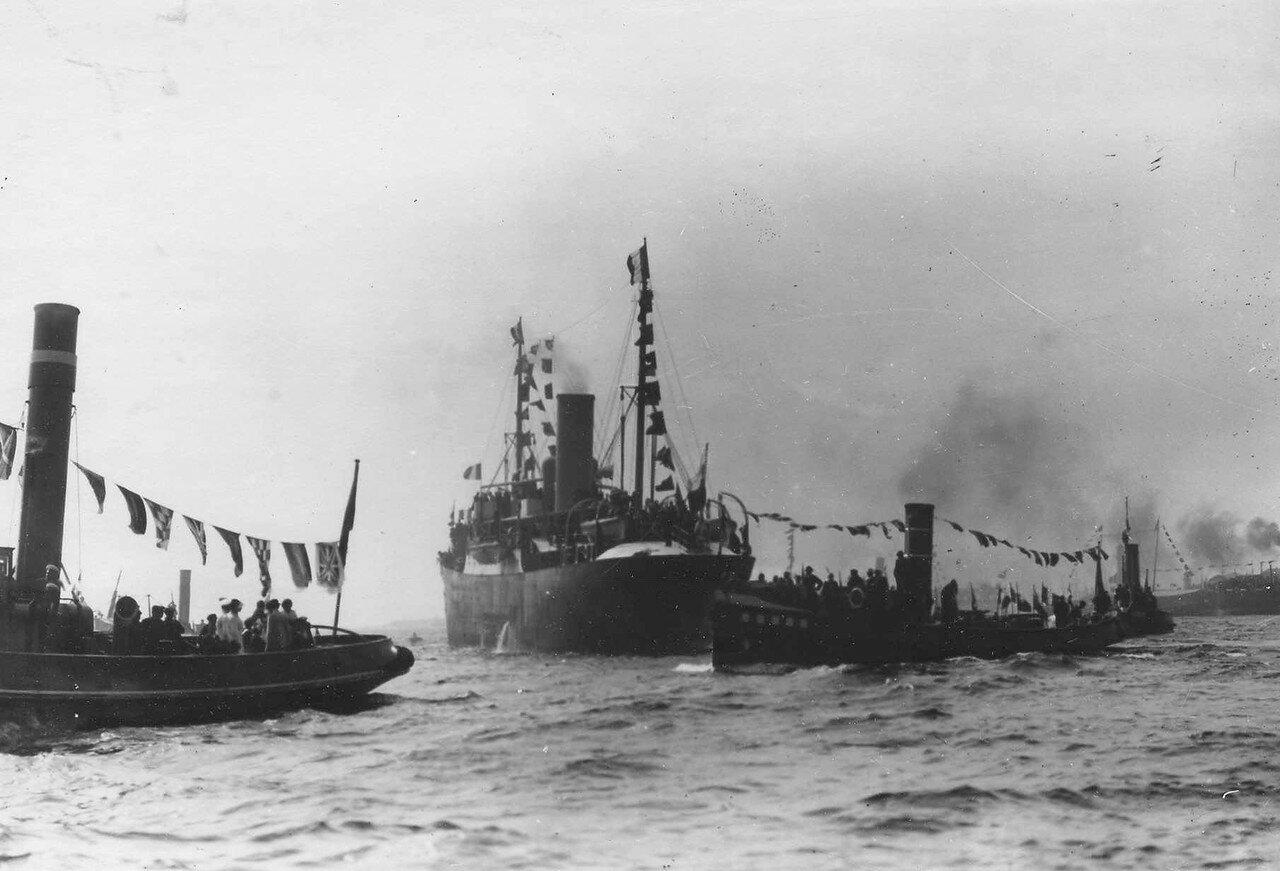 05.Пароходы «Любава», «Русь» и «Лев» направляются навстречу французской эскадре. 7 июля 1914