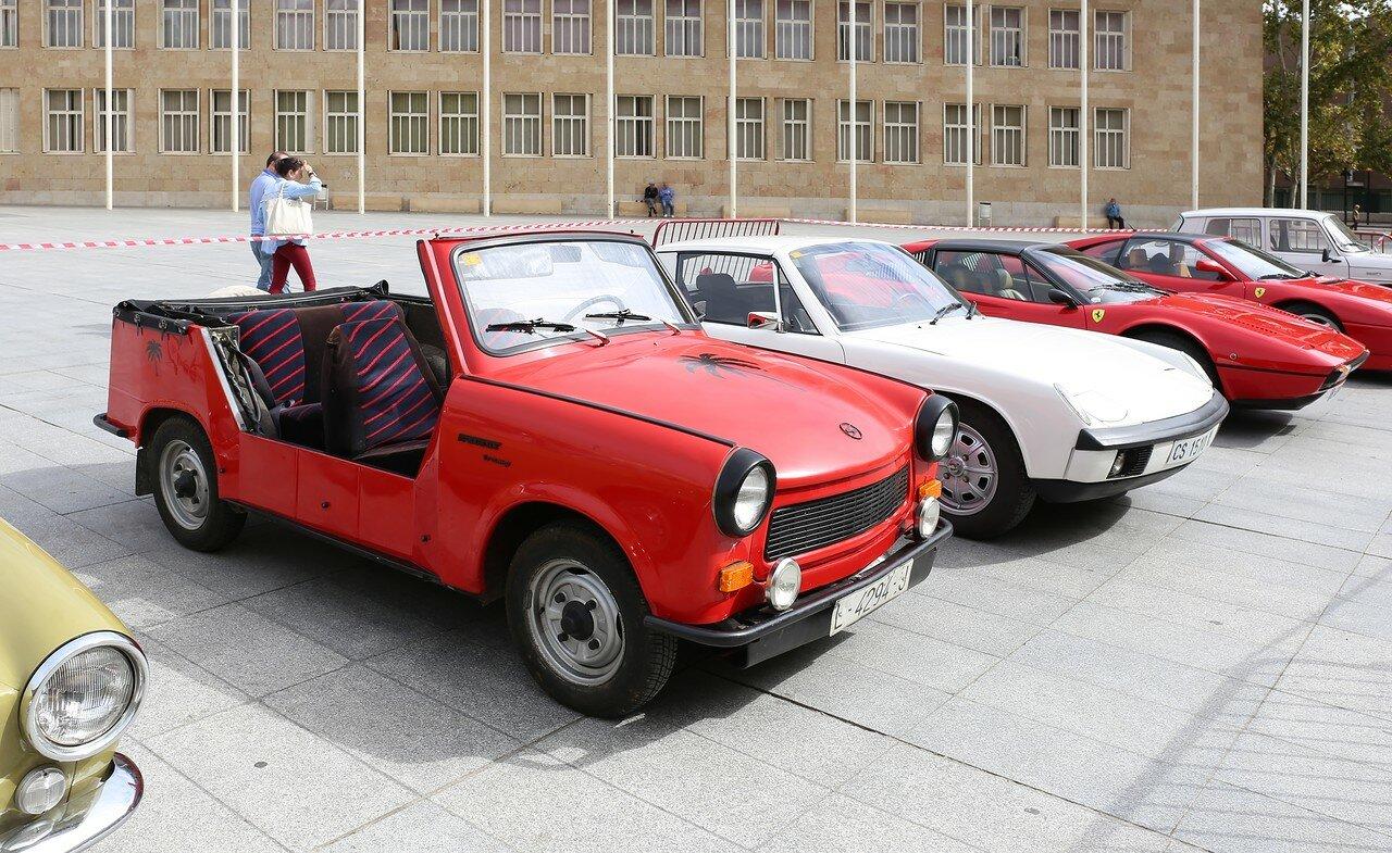 Парад ретроавтомобилей в Логроньо. Trabant Tramp