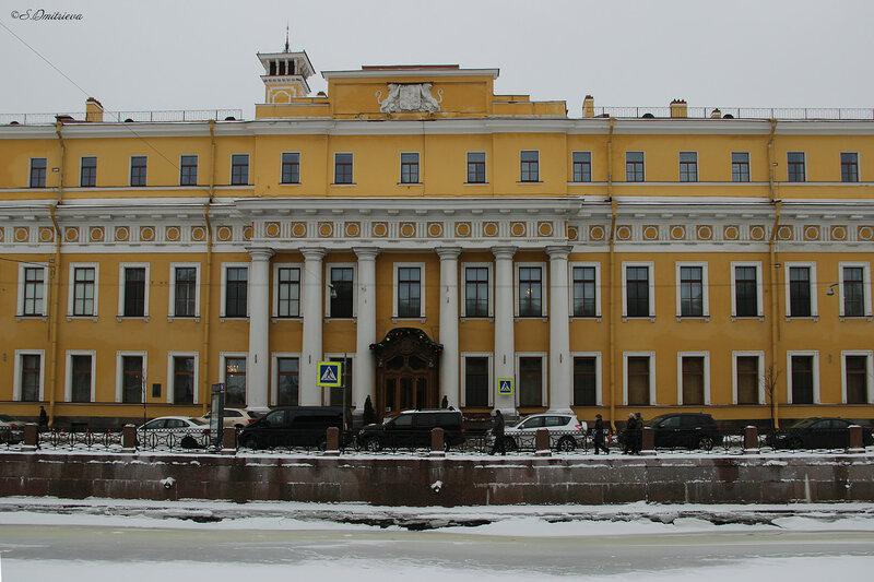 дворце был убит Распутин.