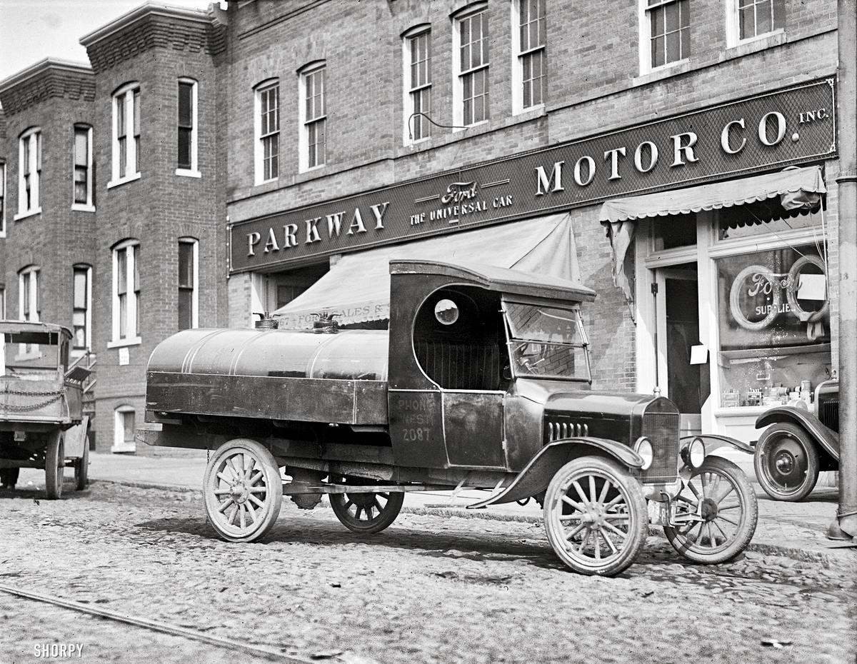 Специализированные транспортные средства начала 20-го века на снимках американских фотографов (50)