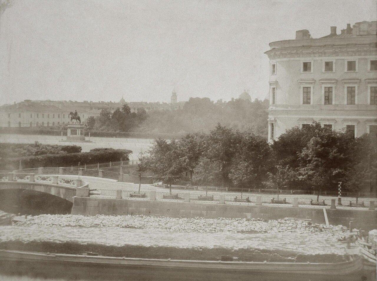 Вид площади у Инженерного (Михайловского) замка. 1860-е
