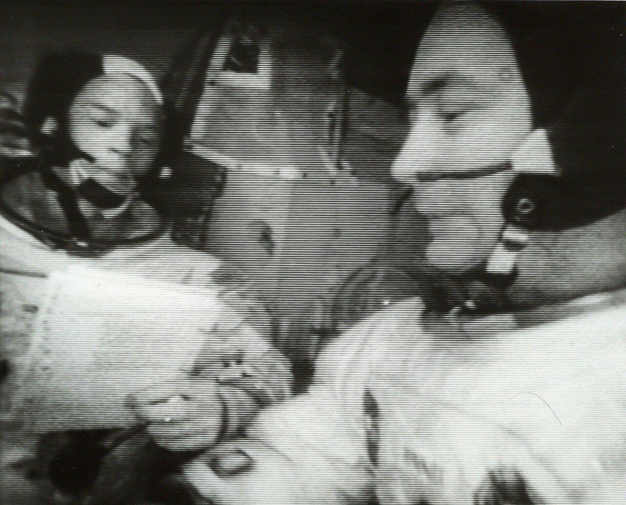 1969, март. В 46 часов 29 минут полётного времени начался первый сеанс телевизионной передачи с борта, который продолжался около семи минут. Астронавты показывали отсек экипажа лунного модуля и друг друга. Качество изображения было удовлетворительным