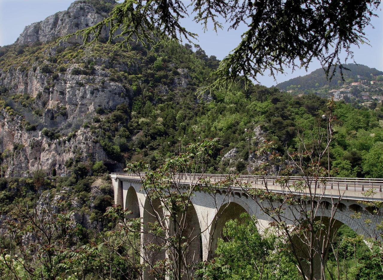 Пон де Гар и мосты Прованса. Автор фото: Юрий Семенов