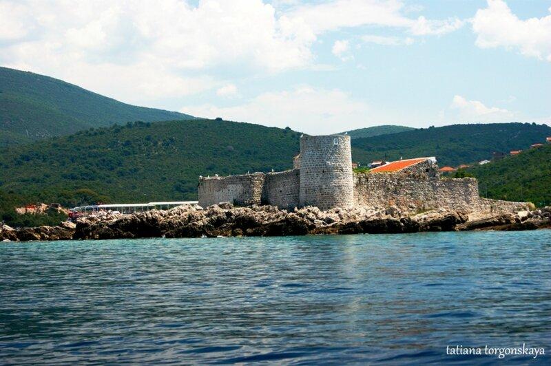 Остров Жанице и монастырь