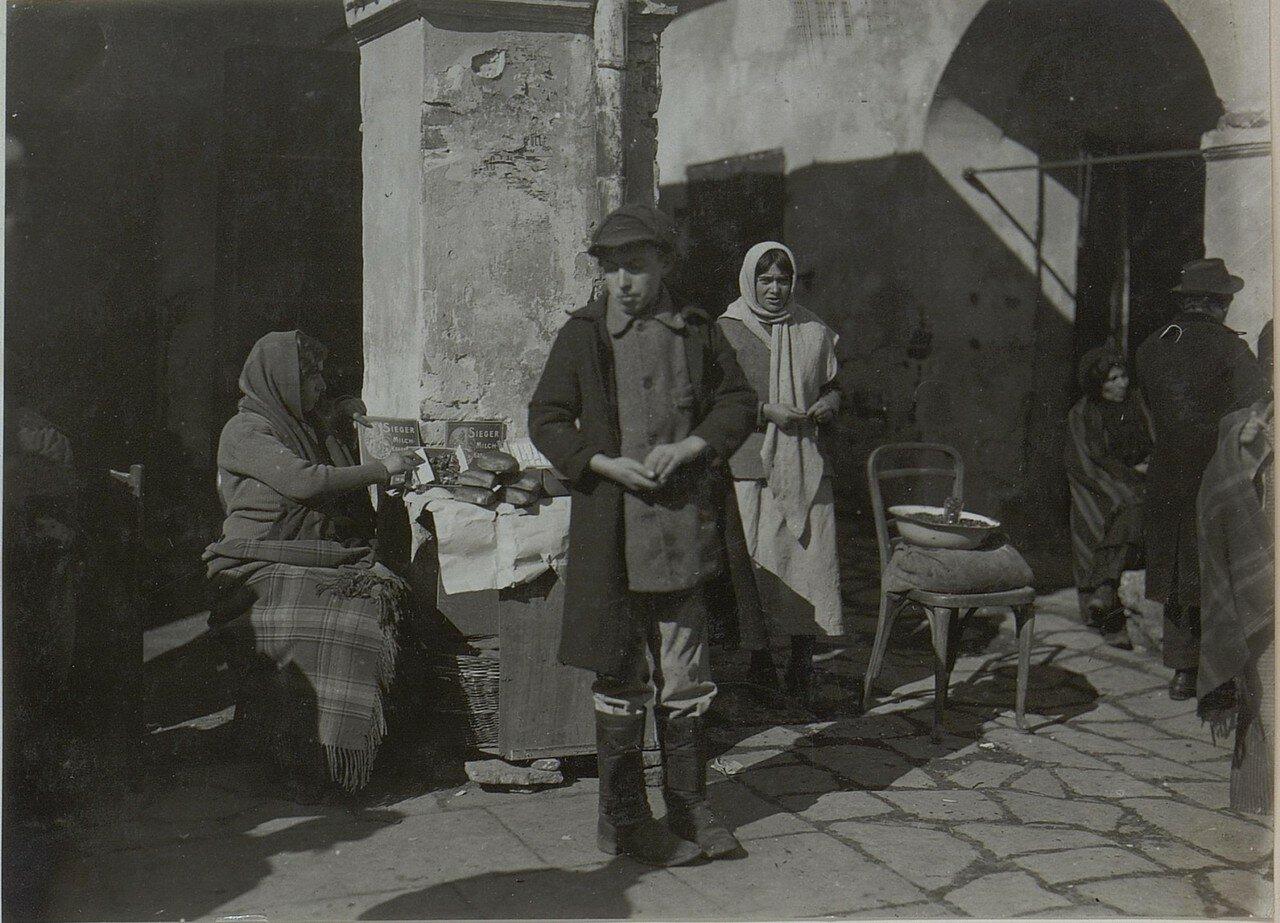 Галиция. Еврейская семья в Бродах
