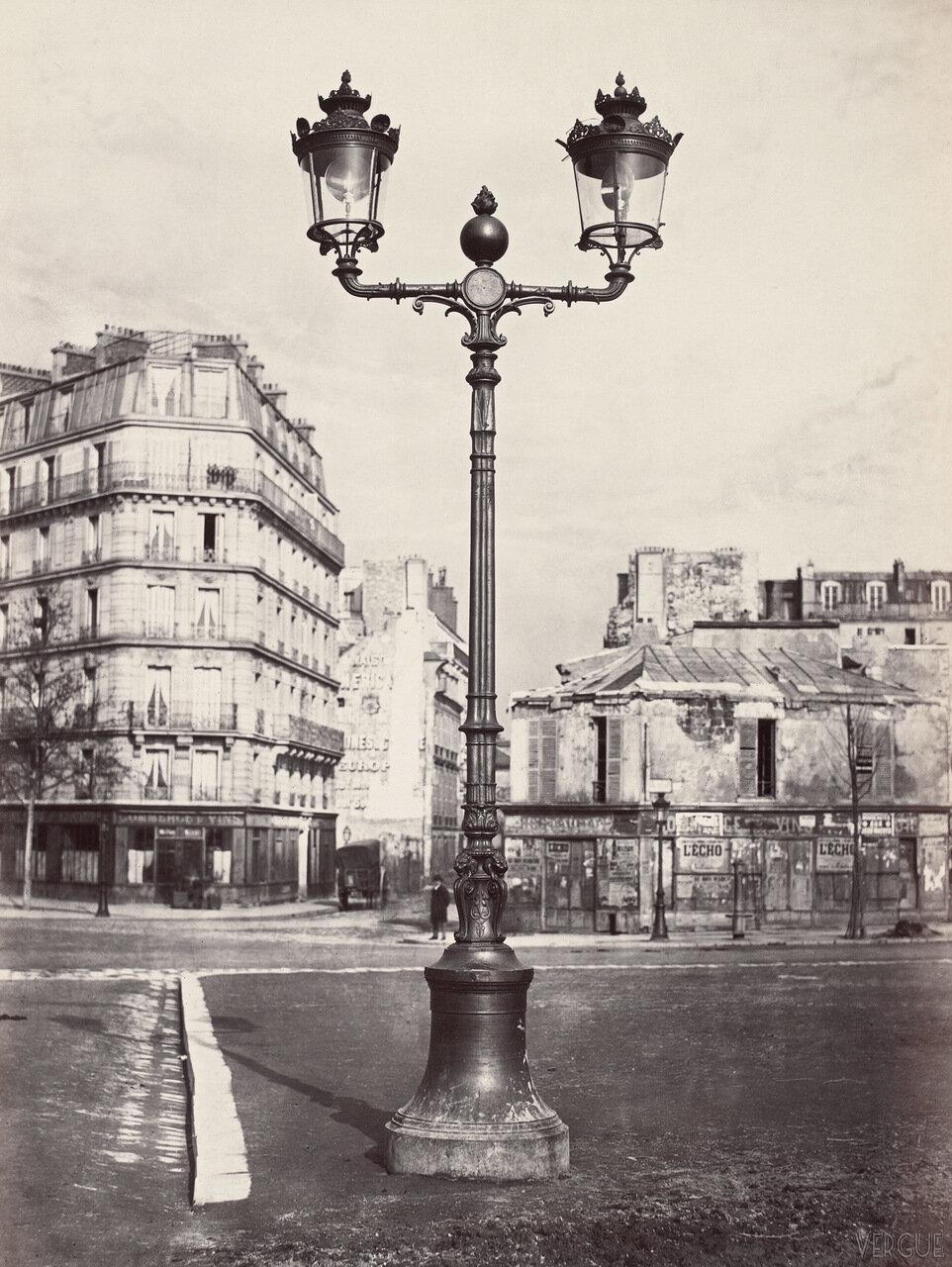 Газовый фонарь на авеню де ла Бурдонэ. 1868