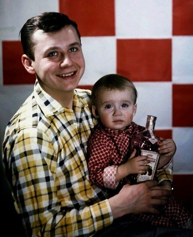 1108 Олег Табаков с сыном Антоном.jpg