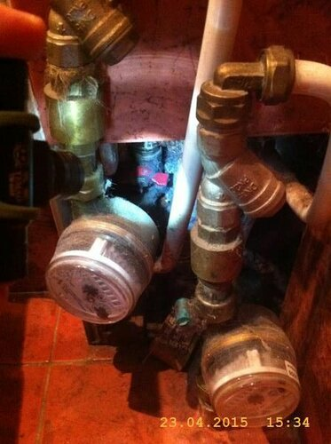 Где-то там, в глубине недоступности, замаскировали секущий клапан в квартиру