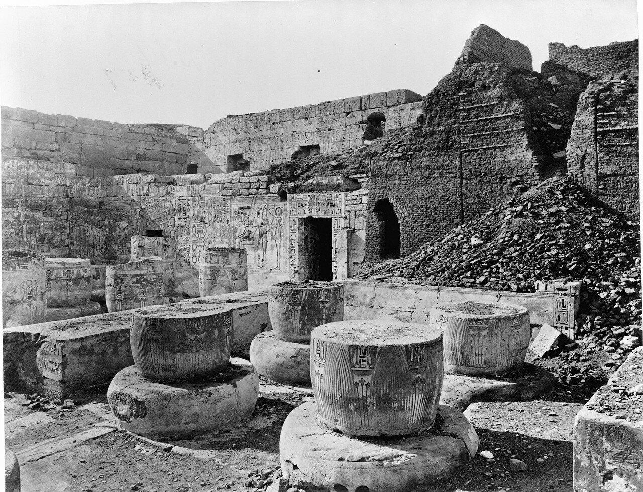 Мединет-Абу. Внутренний вид храма