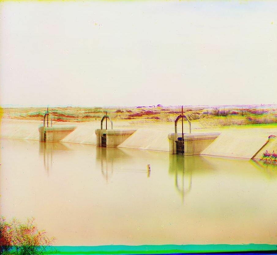 Окрестности Мерва. Байрам-Али. Арычные регуляторы в Мургабском имении