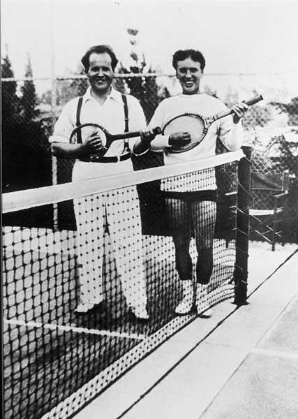 Sergei Eisenstein and Charlie Chaplin, 1930.jpg