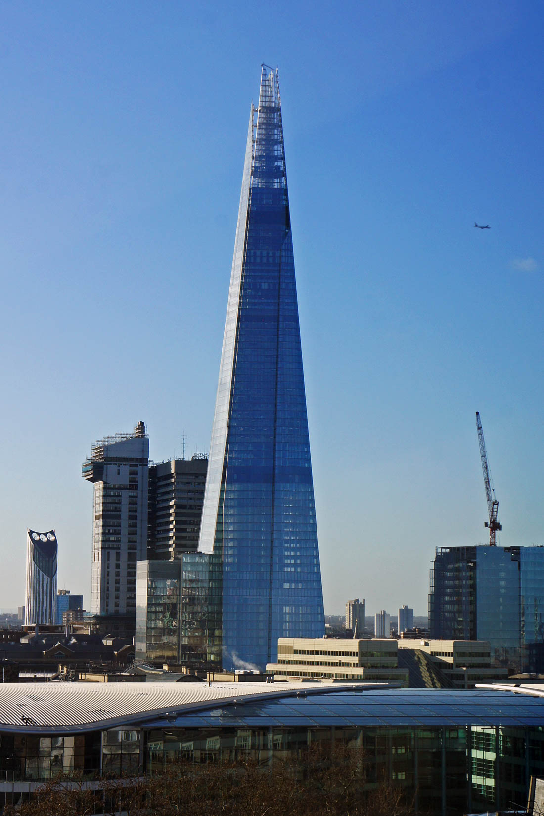 The Shard (Лондон) — второе по высоте здание в Европе. Верхняя отметка 309 метров была достигнута в