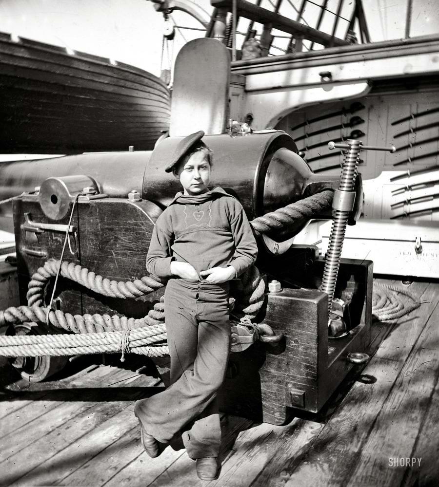 Корабли, речные суда и военные моряки на снимках американских фотографов конца 19 века (7)