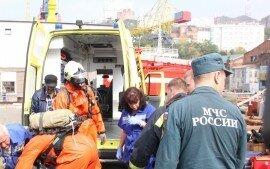 В порту Владивостока произошла утечка фреона: один человек погиб