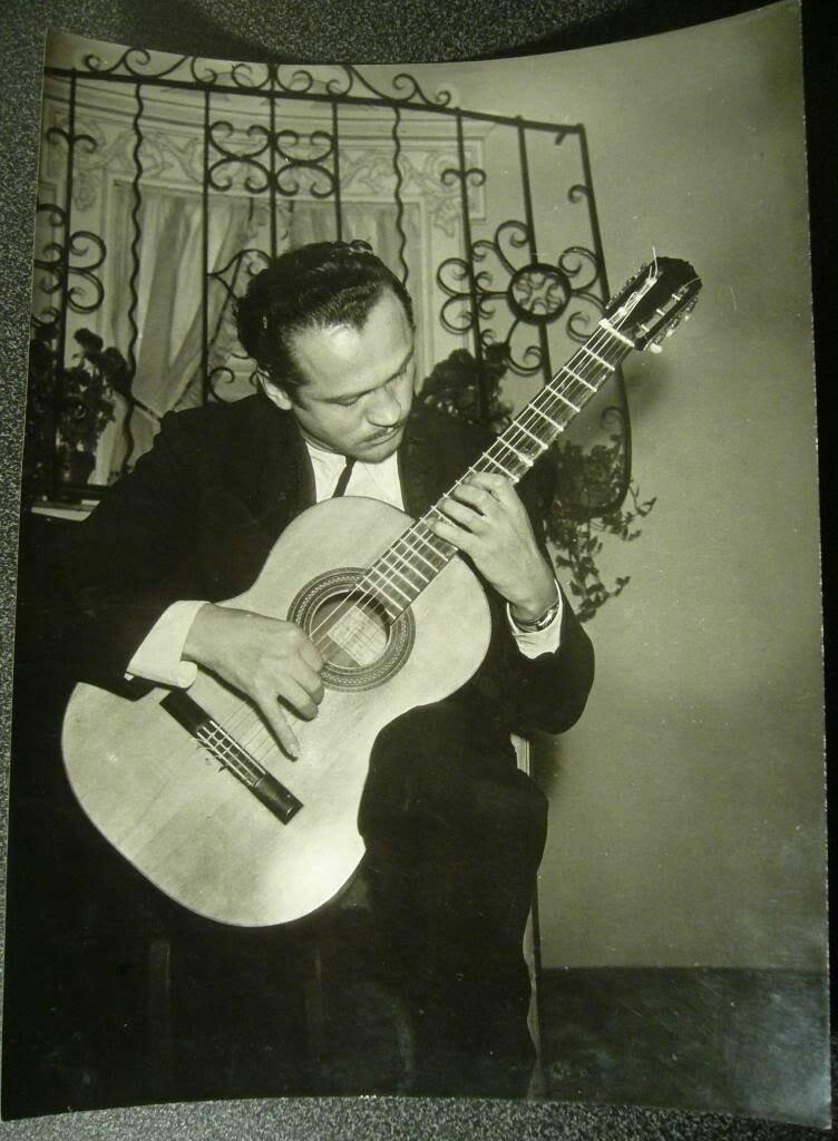 1960. Портрет гитариста