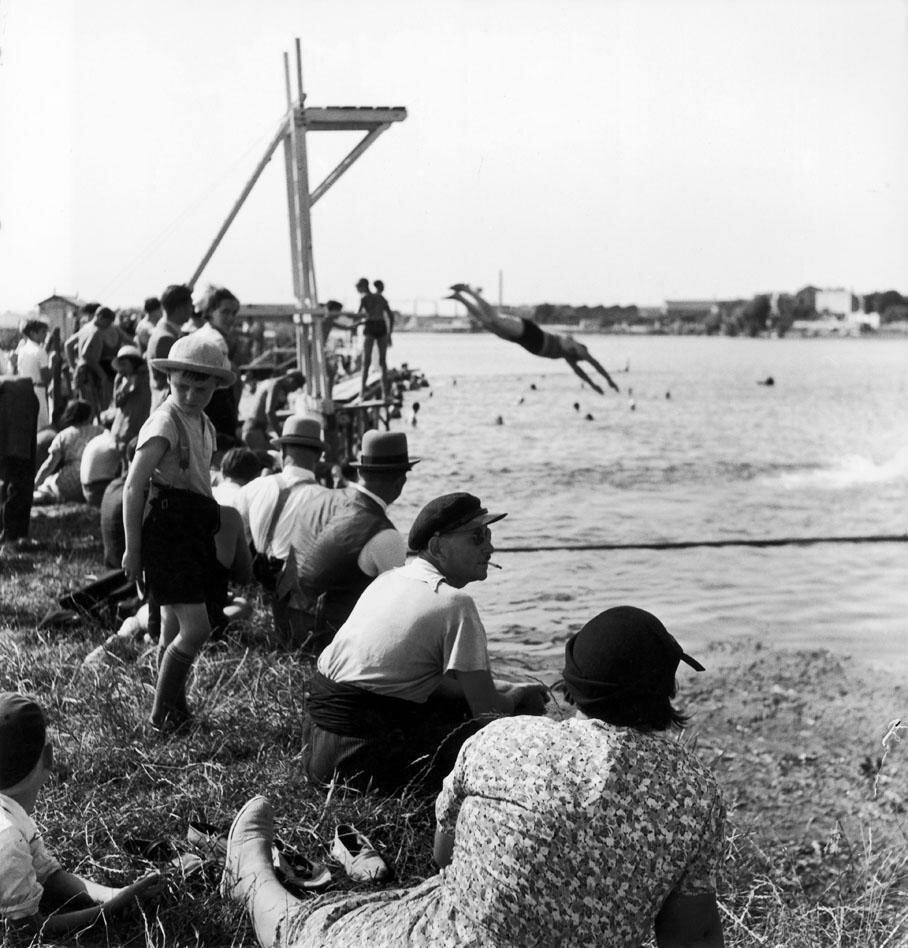 1936. Первый оплачиваемый отпуск на берегу моря