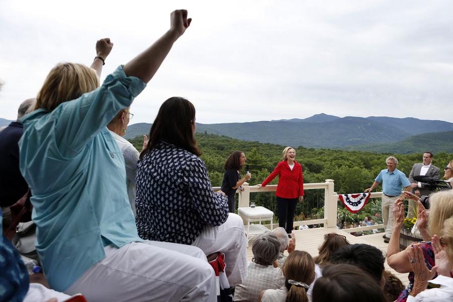 Хиллари  Клинтон 4.07.15.png