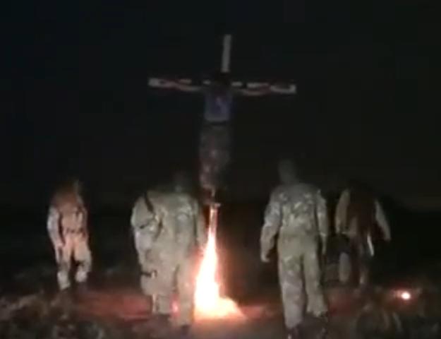 Нацисты из «Азова» распяли ополченца и сожгли заживо