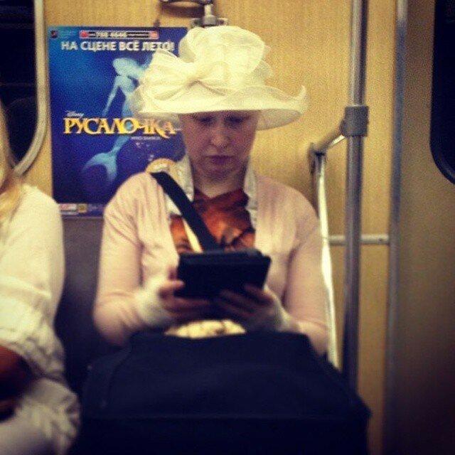 самые-странные-люди-в-метро21.jpg