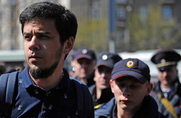 Артема Лоскутова арестовали на 10 суток за Монстрацию