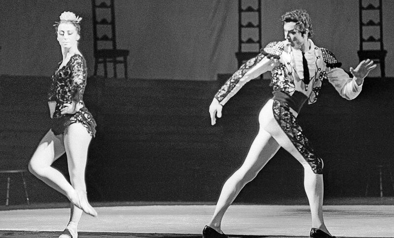 Майя Плисецкая в роли Кармен, Сергей Радченко в роли Тореро в одноактном балете Большого театра «Кармен-сюита», 1967 год.jpg