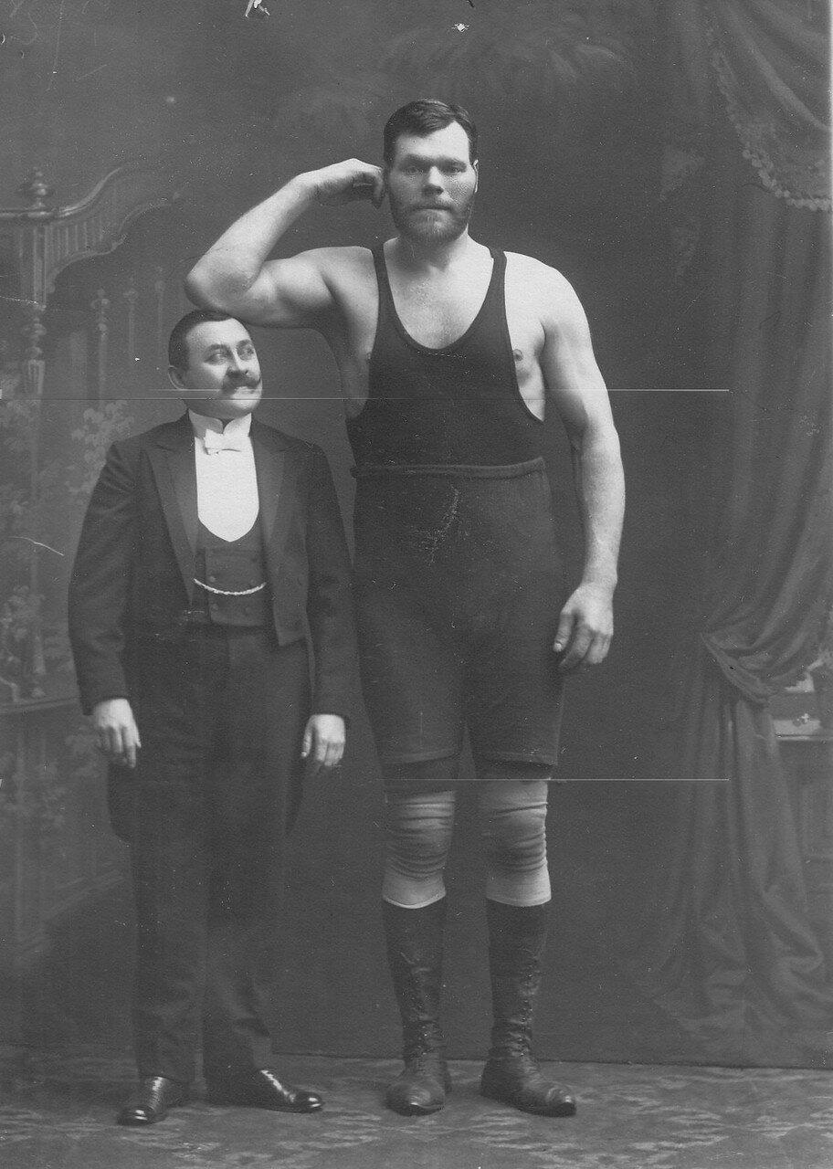 27. Участник чемпионата Г.Кащеев (справа)
