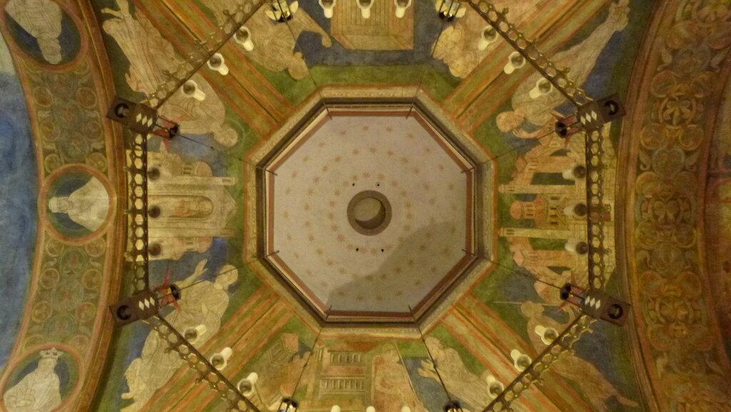 Doppelkirche_schwarzrheindorf_Innensicht_Decke.jpg
