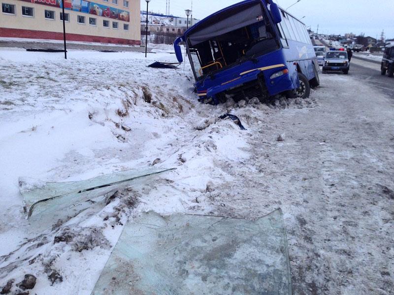 Про ДТП с пригородным автобусом в Магадане