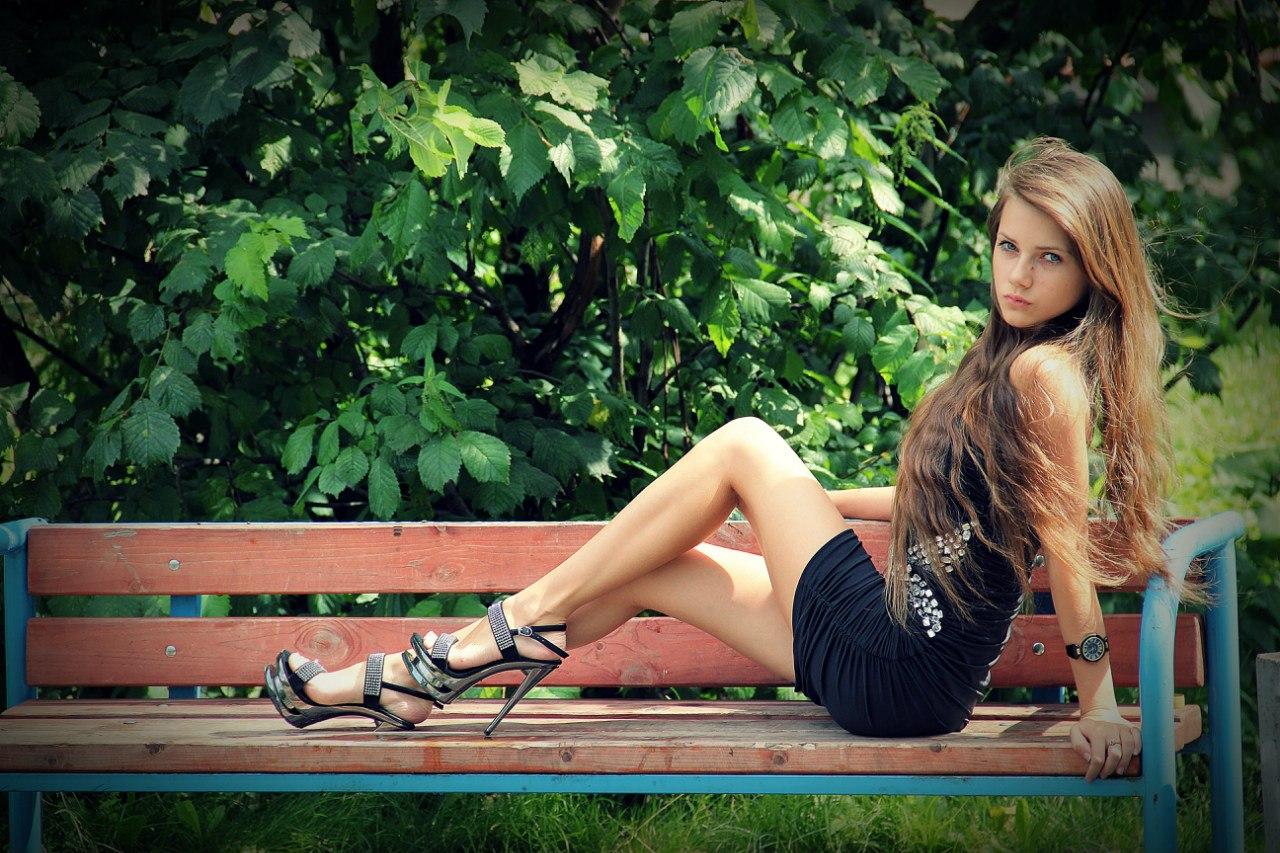 Фотки ножки юных девочек