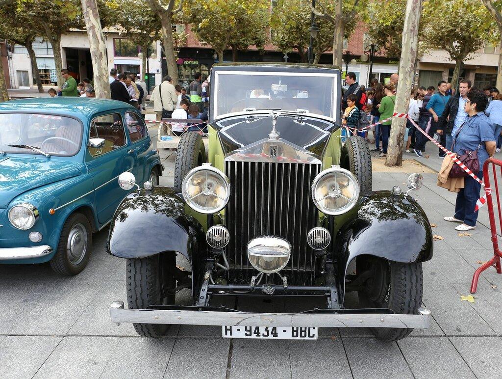 Парад ретроавтомобилей в Логроньо.   Rolls-Roice Siver Ghost (Серебряный дух)