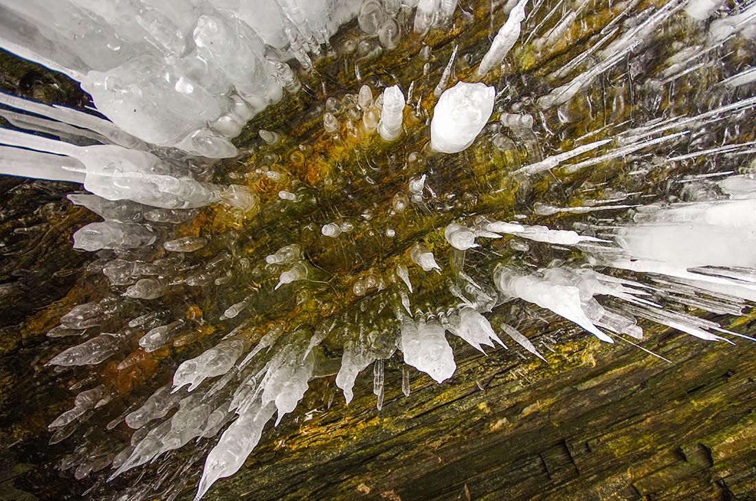 Ледяные фигуры Огоя