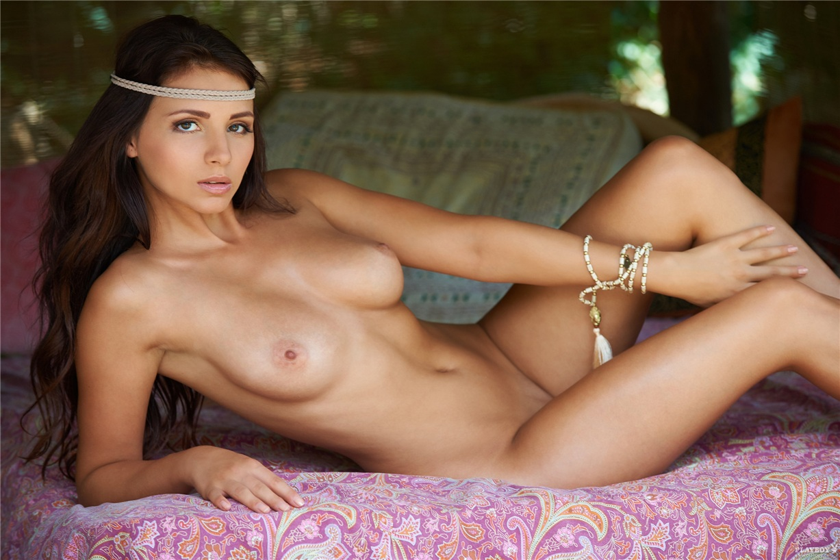 Attractive mature women free naked pics