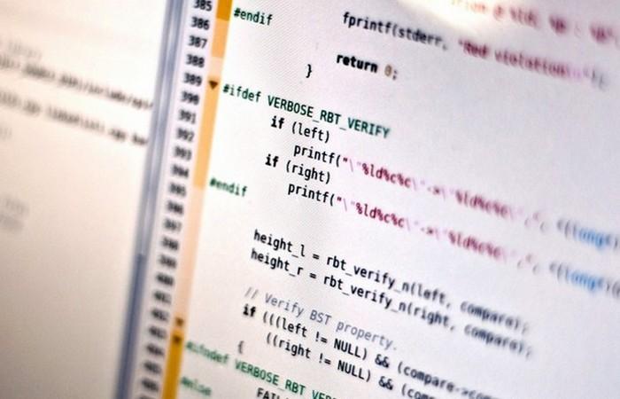 Грейс Хоппер работала программистом на первых компьютерах в мире, в частности, на гарвардском «
