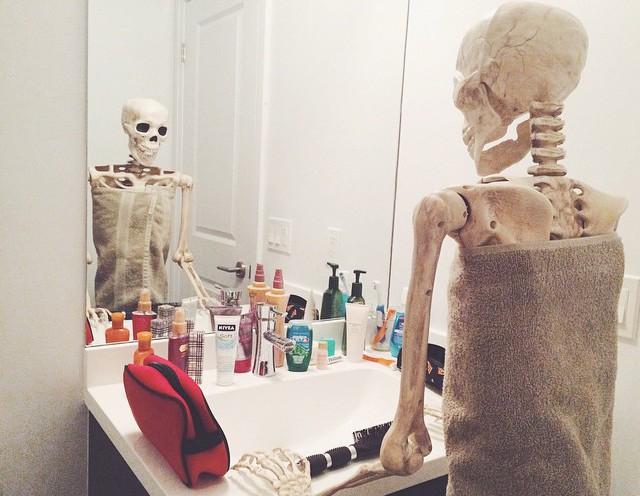 скелет-пародия-на-девушек13.jpg