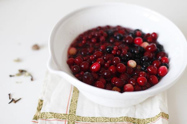 Пряный ягодный пирог