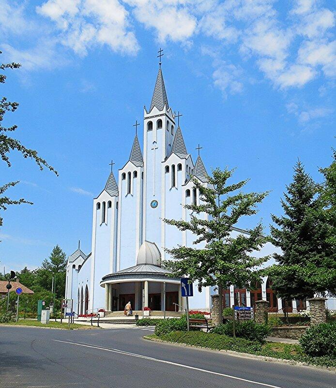 Церковь в Хевизе