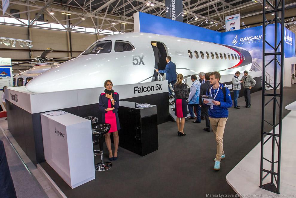 6. Таким будет салон нового бизнес-джета Falcon 5X .